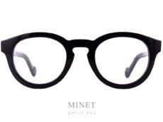 Moncler ML5006. Monture optique noire de forme pantos.