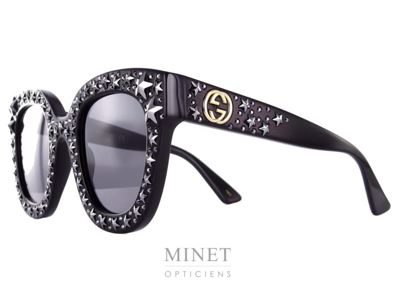 Les solaire Gucci GG 116S sont de super lunettes noires munies d'une constellation d'étoiles. Les Lunettes STAR au sens propre comme au figuré.