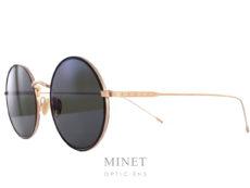Edwardson Solaire Ivy. De même forme que les lunettes optique du même nom, Les lunettes Edwardson Solaires Ivy sont de superbe lunettes de soleil rondes en métal, finement ciselé à l'ancienne, munie de verres gris-vert vintage 100% UV. Elles vous apporteront un confort de vision et une protection optimale. Les lunettes Edwardson sont fabriquées en Italie, entièrement à la main. Dans cette collection, le label de qualité handcrafted est primordial. Le style « Chic – Trendy » d'Edwardson mêle l'esprit vintage avec la passion pour le design moderne.