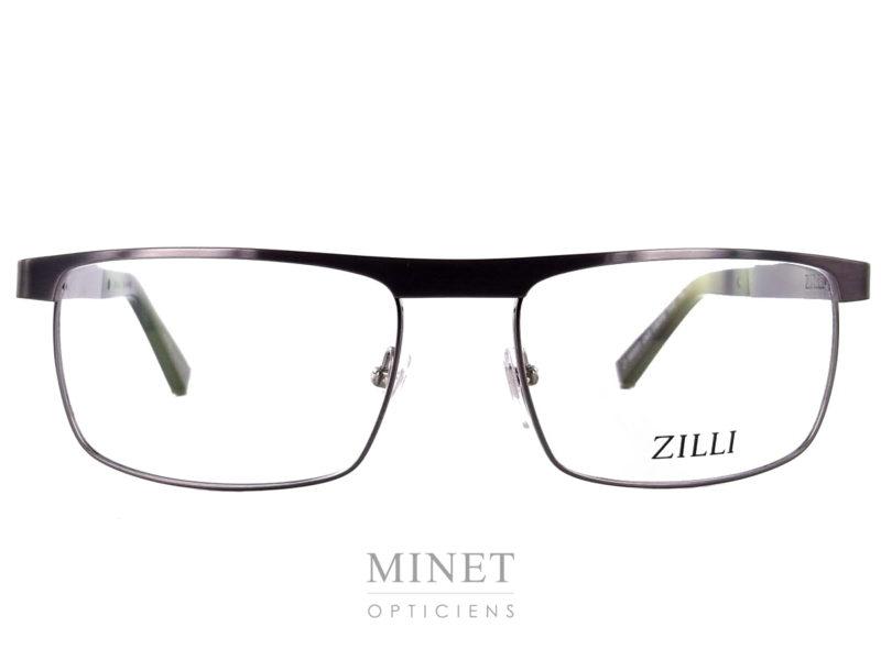Lunettes optiques métal pour homme. Les Zilli 60007 ont la face en métal et les branches sont joliment incrustées de cuir. Marque de luxe incontesté Zilli lance sa première collection de lunettes. Les Zilli 60007 sont faites avec le même savoir faire et le même taux d'exigences que les vêtements de la marque. Maison familiale française fondée à Lyon en 1965, Zilli est reconnue comme référence par les esthètes amateurs de produits rares et de qualité. La nouvelle collection eyewear présente les codes de l'élégance sophistiquée qui caractérisent depuis toujours le style exclusif de la Maison Zilli, associés aux technologies d'avant-garde et aux matériaux hautement sélectionnés avec des détails signatures comme le titane ou le cuir.