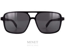 Les Saint Laurent SL 176 sont de grandes lunettes de soleil pour homme et de forme rectangulaire. Le double pont ainsi que leur grande taille sont la pour renforcer l'esprit vintage de la monture.