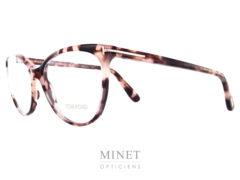 Lunettes optique Tom Ford TF 5513. Dans le plus pure style Tom Ford ce sont de très belle lunettes pour dame papillonnante oversized de couleur brune style écaille.