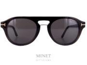 Lunettes optique vintage pour hommes. Les Tom Ford 5533 sont de style rétro, de couleur écailles en haut qui se dégrade vers le gris, en bas. Celles-ci, on la particularité d'être munie d'un clip solaire aimanté. Ce clip, super pratique, vous facilitera la vie car, grâce à lui, vous aurez deux lunettes en une. Plus besoin de lunettes solaire correctrice.
