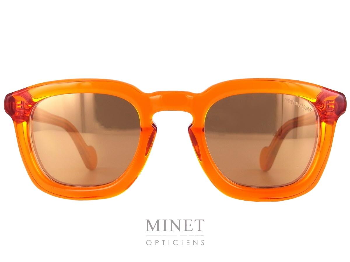 ea627c61c38a8e Les Moncler 0006 sont des lunettes de soleil rectangulaires super Funky. La  monture, orange