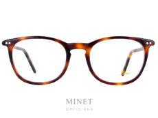 Les Lunor A5 234 sont des lunettes de style rétro, de formes rectangulaires en acétate de cellulose de couleur écaille de tortue. Elles sont très légère et fabriquées avec une finition très haut de gamme ce qui vous garantira une monture confortable et élégante qui vous accompagnera pour un bon bout de temps.