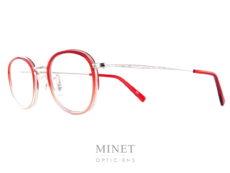 Masunaga GMS 824. Monture combinée en acétate de couleur rouge dégradé christal. Les branches, le pont et les cerclages sont en titane joliment ciselé à l'ancienne. Le titane japonais nous donnes une garantie de légèreté et de solidité. De plus, il est hypoallergénique. Créée en 1905, la marque Masunaga est l'un des fleurons de la lunetterie japonaise. Ces modèles fabriqués avec rigueur et précision – elles passent par plus de 200 étapes manuelles – ont un style plutôt rétro. On retrouve beaucoup de lunettes Pantos ou rondes en acétate et en métal. Les collections de lunettes de soleil rétro et de vue restent classiques mais sont toujours de très belle facture. La marque a reçu une pluie de récompenses ces dernières années avec notamment deux Silmo d'Or. En 2014, la lunette de soleil « Campanule » en collaboration avec le styliste Kenzo Takada remporte un très grand succès. En 2015, c'est la lunette optique « GMS 106 » qui tire son épingle du jeu ! Masunaga ne finit pas de surprendre c'est certain!
