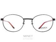Les Philippe Starck SH2013 sont des lunettes ovales en métal. De couleur noire montées de branches en Gravity noires intérieurs rouges. Fines, solides, modernes, intemporelles et exclusives comme leurs fameuses charnières qui permettent aux branche de bouger dans les 3 dimensions. Inventées par Philippe Starck, il les a imaginées en s'inspirant de l'articulation de l'épaule. Concept appelé BioVision. Élégance et intelligence sont les maîtres-mots de PhilippeStarck, célèbre designer. C'est en suivant ce crédo qu'il conçoit les lunettesStarckEyes en association avec le célèbre lunetier Alain Mikli. Ils ont donné naissance à une collection de lunettes design sans équivalent ! Elles sont à la fois légères, confortables et résistantes grâce à l'utilisation de matériaux tels que l'aluminium ou le titane. Les lunettesStarckEyes, c'est aussi et surtout un système de charnières breveté unique et innovant. Grâce à elles, vous ne casserez plus jamais les branches de vos lunettes. Le design de ses modèles reste épuré avec des lunettes plutôt sobres et très élégantes.