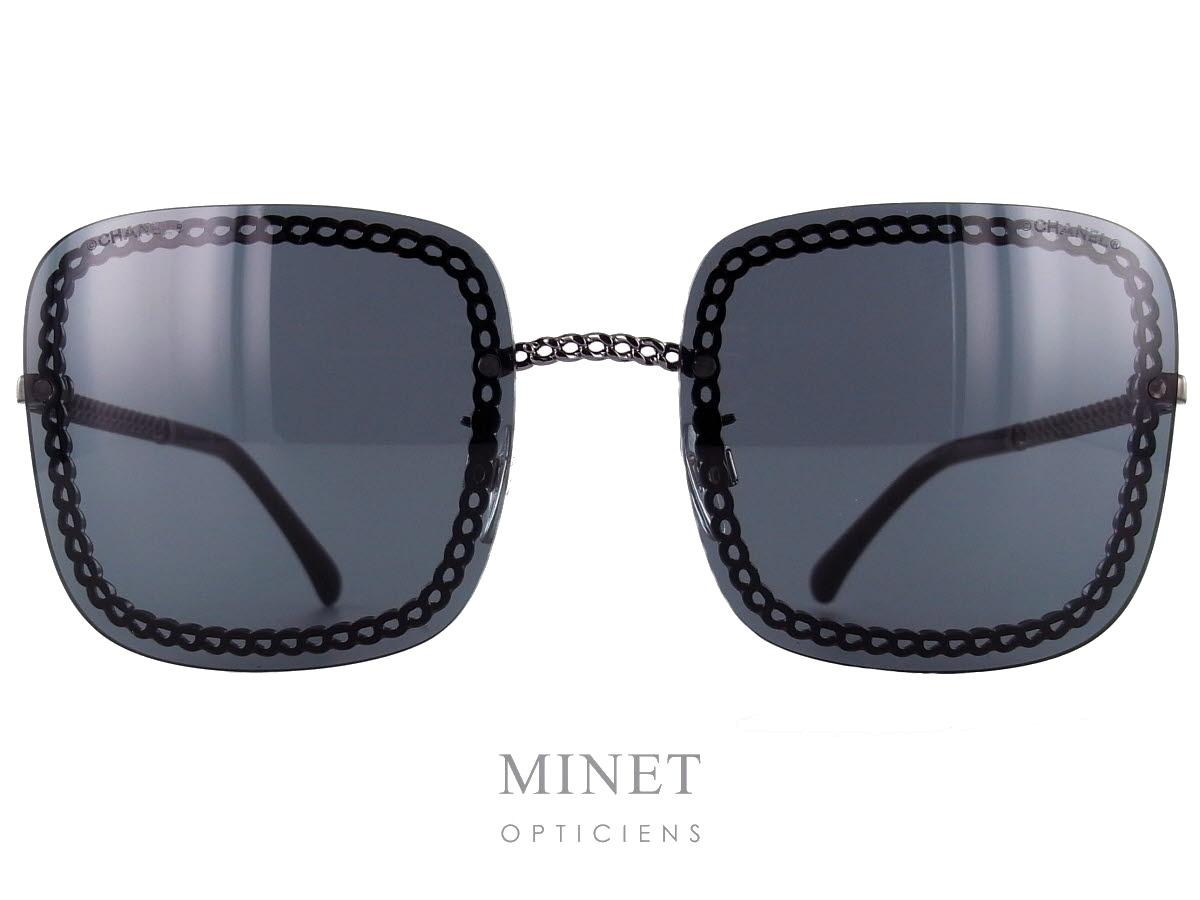 Chanel 4244. Lunettes de soleil très originale dont la monture est  entièrement composée de la 0d504490c2f5