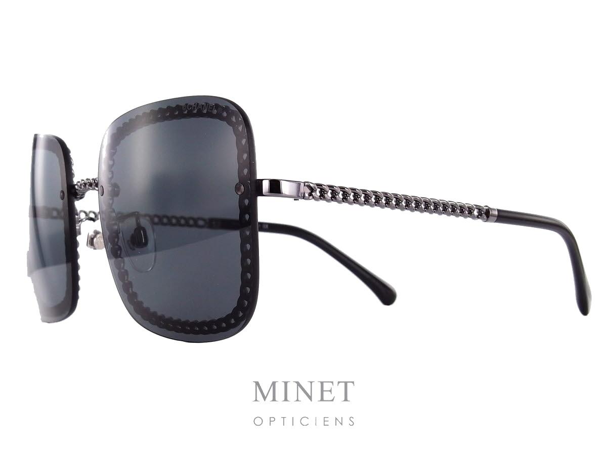 Chanel 4244. Lunettes de soleil très originale dont la monture est  entièrement composée de la. Partage social 4de9e45a237b
