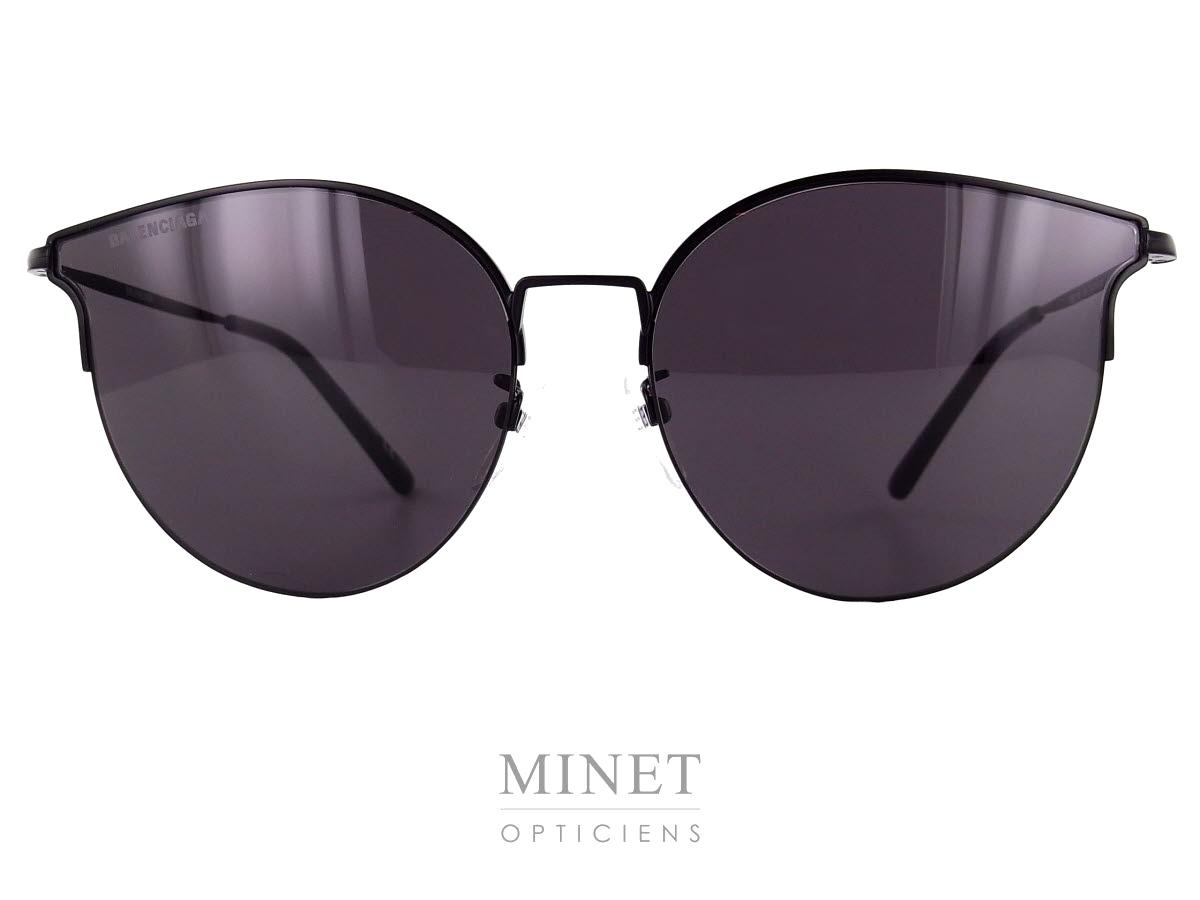 5cef71b31ee47f Les Solaires Balenciaga BB21SK sont des lunettes fines légères offrant une  excellente protection tout en étant