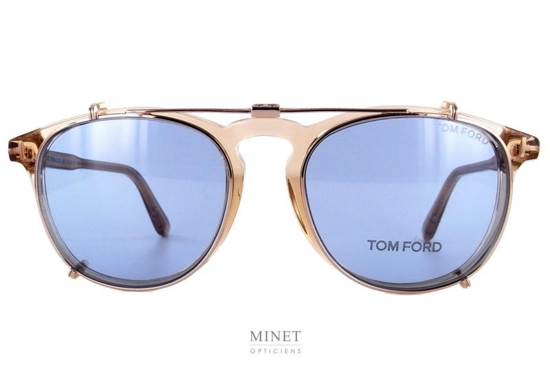 Tom Ford Tf 5401 sont des montures optiques en acétate de cellulose munies d'un ,très pratique, clip solaire pliable.