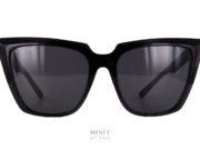 Balenciaga BB46S. Très belles lunettes de soleil papillonnantes. La lunettes papillonnantes, pointues nous présente des formes très droites lui donnant un style de star des 60's.