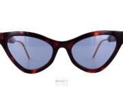 """Lunettes de soleil Gucci GG597S super vintage. Leurs formes papillonnantes très pointues sont dans l'esprit des lunettes """"Américaines"""" des années cinquante."""