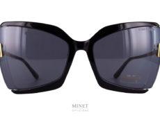 Nouvelles Tom Ford Gia TF766. Tout nouveau modèle de lunettes de soleil, les Tom Ford Gia sont de grandes solaires de forme papillon. L'originalité vient du faite que la face est en acétate de cellulose alors que les branches en métal sont directement accrochées aux verres.