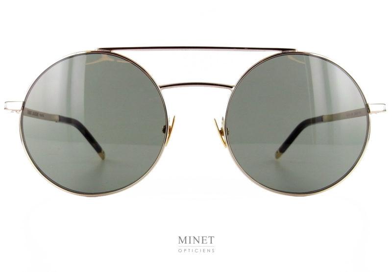 Lunettes ronde double ponts. Les Saint Laurent SL 210 sont des lunettes de soleil qui iront aussi bien aux dames que aux hommes. Les montures fines en métal vous offriront une grande légèreté.