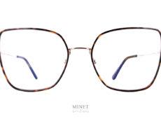 Les Tom Ford TF5615 sont de belles lunettes optiques en métal de forme papillon oversized. Fine et légères, leurs coté oversize vous offriront un super look.