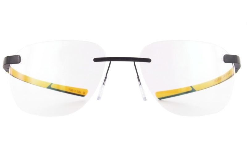 Les nouvelles McLaren SUPER SERIES 21 c04 sont de très belles lunettes optiques à caractère sportif. L'orange nous rappel la couleur des voitures et le style, léger et fin, est en accord avec le style sportif des automobiles McLAren Super Series.