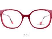 Grandes et très belles lunettes rectangulaire pour dames, les Face à Face Norma4 rouges ont un look vintage et de belles couleurs, un cocktail détonnant pour une superbe monture de créateurs.