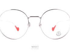 Lunettes Moncler ML5082 016. Sont de grandes lunettes rondes en métal. Le cerclage a été sur épaissi afin de donner plus de caractère a l'ensemble. Les cerclages ont été gravés, histoire d'affirmer leur appartenance à l'univers luxueux de la marque.