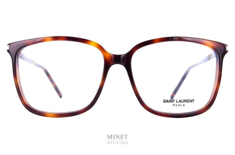 Les Lunettes Saint Laurent SL 453, sont de grandes lunettes rectangulaire pour homme en acétate de cellulose. Celle ci sont en imitation écaille de tortue.