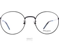 Lunettes Saint Laurent SL 237. Petites lunettes en métal de forme pantos. Confortables fines et légères, elle vous offrent un style vintage délicieusement 90's.