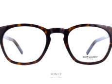 Lunettes Saint Laurent SL 30 SLIM écaille. La série SLIM de chez Saint Laurent est une façon de faire exclusive de chez eux. Visuellement la monture a l'air la même mais, elle est beaucoup plus fine. L'épaisseur a été réduite au maximum, afin d'offrir une paire de lunettes légère tout en gardant de la présence, du style et de la personnalité.