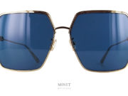 Grandes lunettes de soleil pour dames. Christian Dior EverDior S1U BOBO. Solaires au look Vintage des années 80 munies de grand verres carrés bleus offrant une protection optimale contre les uv et l'éblouissement.