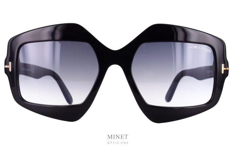 Solaires de luxe Tom Ford Tate. Superbe solaires de style très 60's. Forme originale pour porteuse exigeante ne voulant pas porter les lunettes de Mme tout le monde.