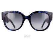 Grandes et imposantes solaires pour dames. Les lunettes de soleil WilDior sont de très belles lunettes pour dames. Les larges branches sont gravées du nom de la marque en grandes lettres.
