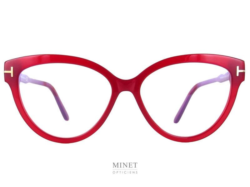 Les montures Tom Ford TF5763-B sont de très belles lunettes dames, glamour, colorées et papillonnantes. Ici, les branches sont de la même couleur que la monture.