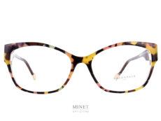 Face à Face GEMMA Toujours très féminine, les Face à Face Gemma sont de grandes lunettes optiques papillon pour dames ayant de larges branches.